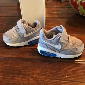 Nike air max tennis shoes (infant)